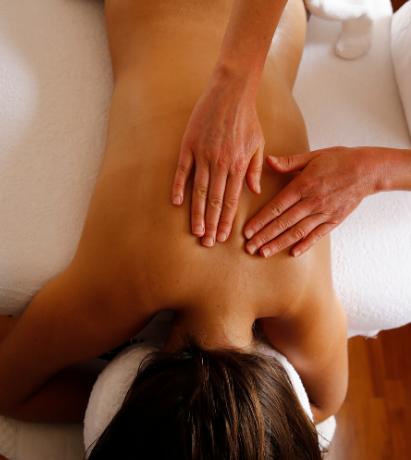 Massage du dos et du ventre détente et harmonie